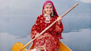 Kashmir Houseboat holiday Package
