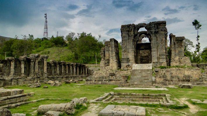 martand-sun-temple-kashmir